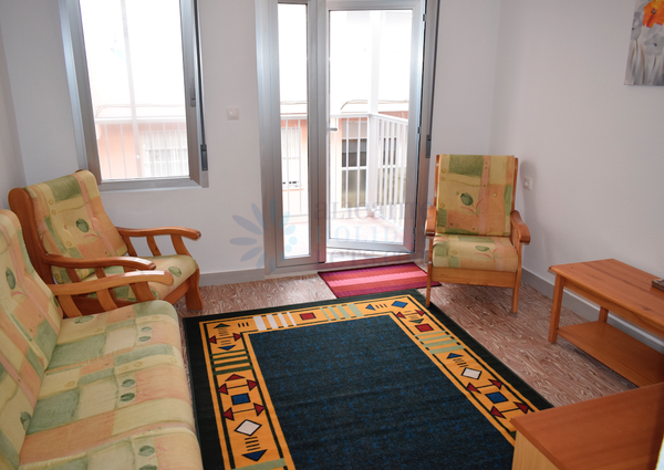 Long term rental​ Lovely 3 bedroom and 2 bathroom apartment in Guardamar, Alicante for only 500€ a month
