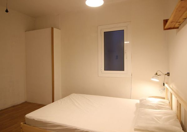 3 doble bedrooms in calle Bolivia Metro Glories