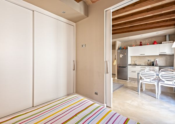 Beautiful 1 bedroom close to the beach
