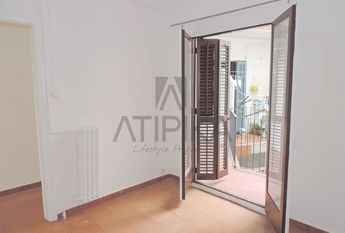 Sunny 4-bedroom apartment close to 'Passeig de Sant Joan'