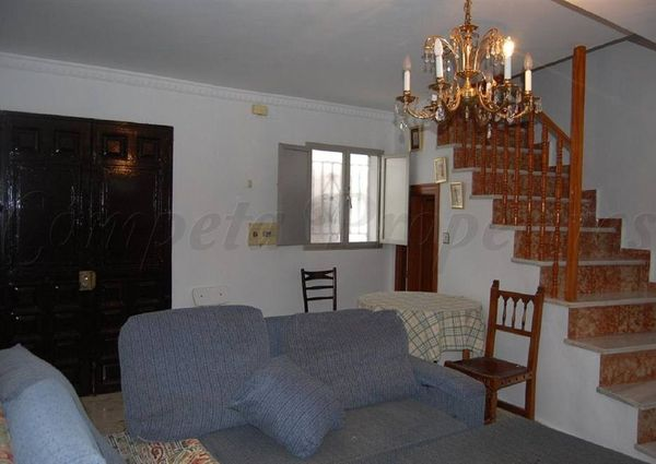 Townhouse in Canillas De Aceituno, Inland Andalucia at the foot of the mountains