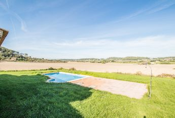 Lovely villa with private garden and pool in Sineu
