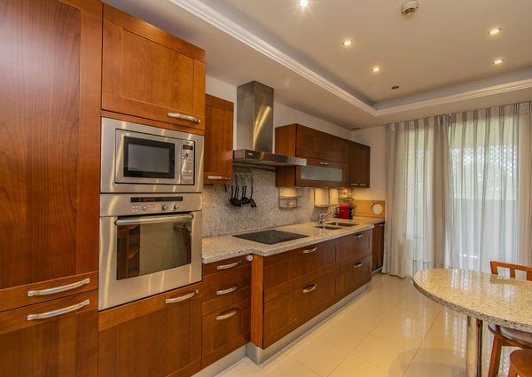 Middle Floor Apartment in The Golden Mile, Costa del Sol