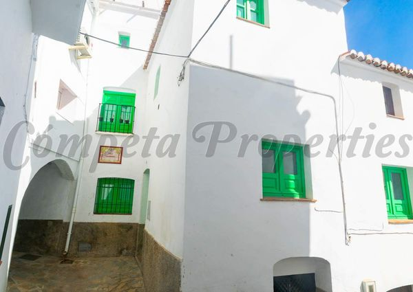 Townhouse in Cómpeta, Inland Andalucia at the foot of the mountains