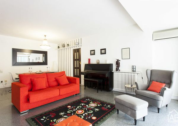 Bright, two-bedroom apartment in the picturesque neighborhood of Eixample