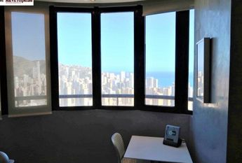 For rent luxury apartment in Benidorm area Avenida Europa 500 meters from the beach