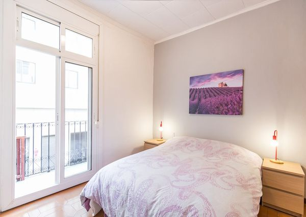 Flat For Rent With 3 Bedrooms And Terrace
