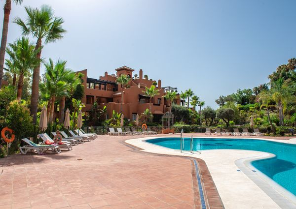 Ground Floor Apartment in Nueva Andalucía, Costa del Sol