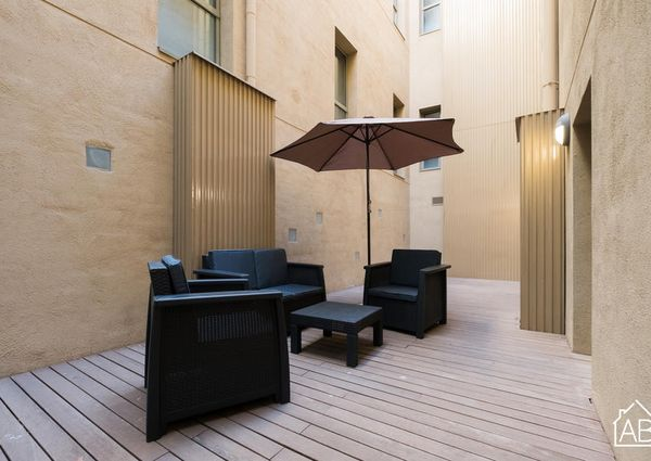 Beautiful three-bedroom Apartment with Communal Terrace and Pool in the Gothic Quarter