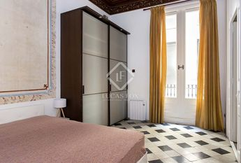 Charming apartment with 3 double bedrooms, for rent in the Gothic quarter