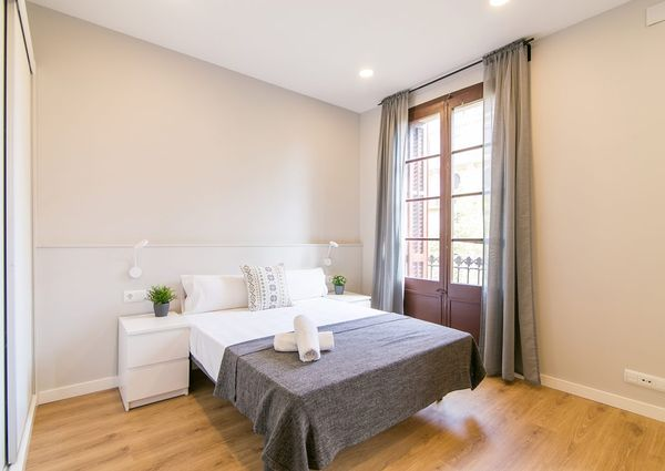 Apartment Fully Renovated Sants 2-1