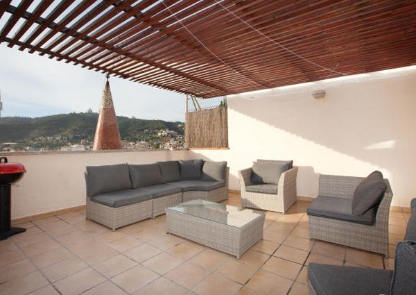 Spacious and Modern Penthouse near Park Güell with Two Private Terraces