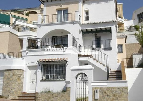 VILLA FOR RENT SITUATED CLOSE TO BURRIANA BEACH NERJA