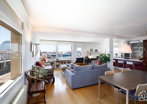 Spacious two bedroom apartment in Port Vell, Barcelona