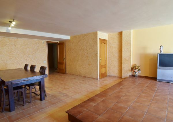 Townhouse with private pool in Sitges Levantina