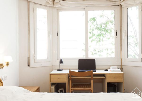 Bright one bedroom apartment in upper Barcelona