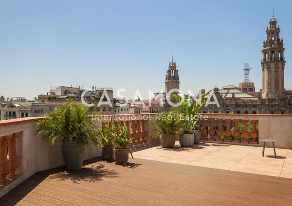 Bright and Beautifully Renovated 3 Bedroom Apartment near Port Vell