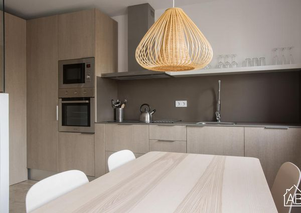 Sleek and modern two bedroom apartment near the Camp Nou