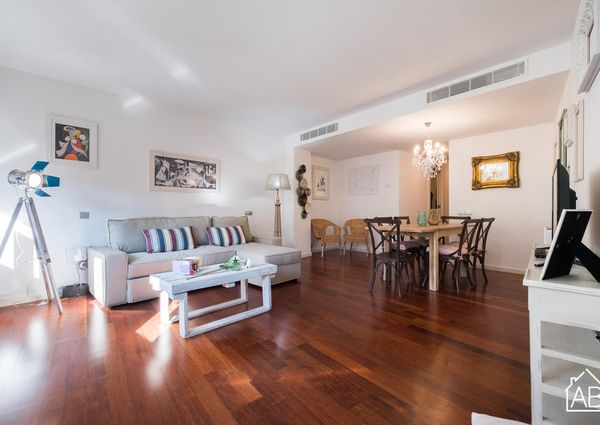 Trendy three-bedroom Gothic Quarter Apartment with Communal Terrace and Pool