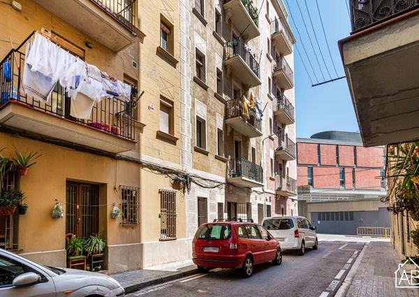 Trendy Studio Apartment in Barceloneta, steps from the Beach