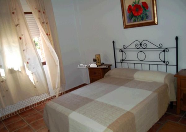 Bungalow for rent in Competa Road, Torrox, Málaga, Spain