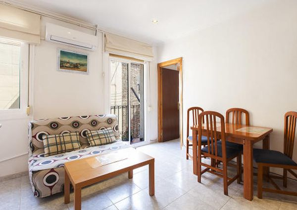 One bedroom beach apartment close to Psg. Joan de Borbó