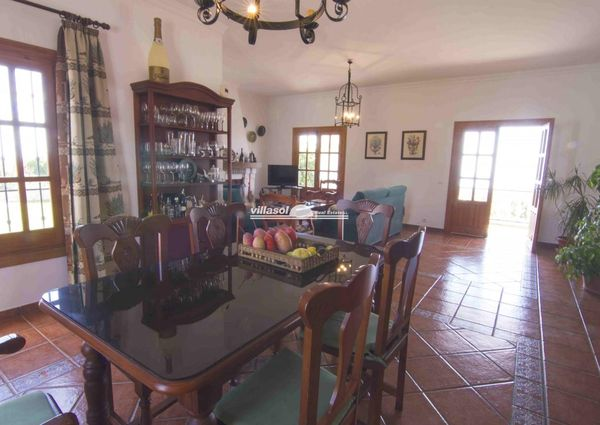 DETACHED COUNTRY VILLA FOR RENT SITUATED IN THE NERJA COUNTRYSIDE