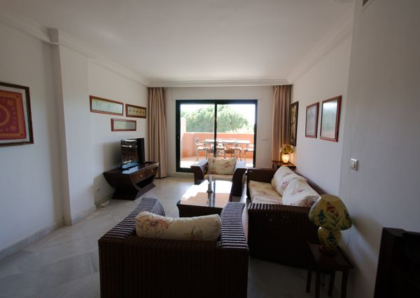 2 Bedrooms Ground Floor Apartment in Cabopino
