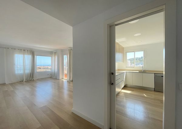 Unfurnished apartment, terrace with sea views, 3 bedrooms, parking, in Son Armadams