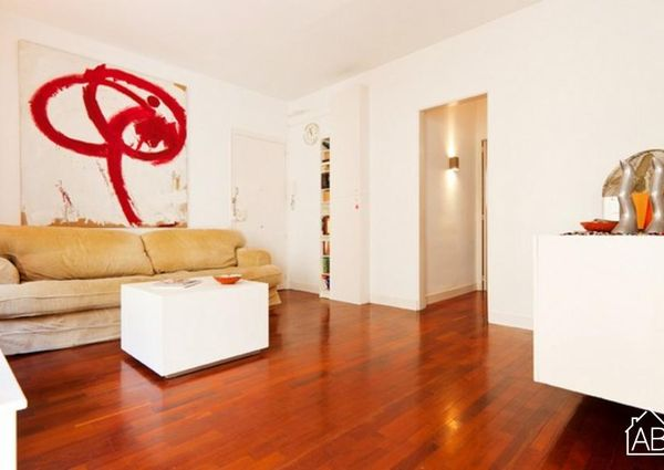 1 bedroom apartment right beside Barceloneta beach