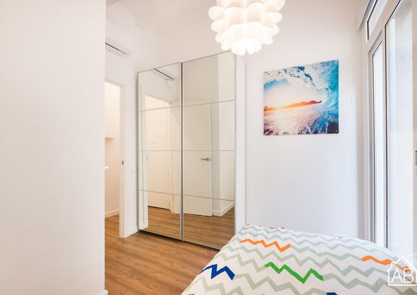 Bright and modern two bedroom apartment in Barceloneta
