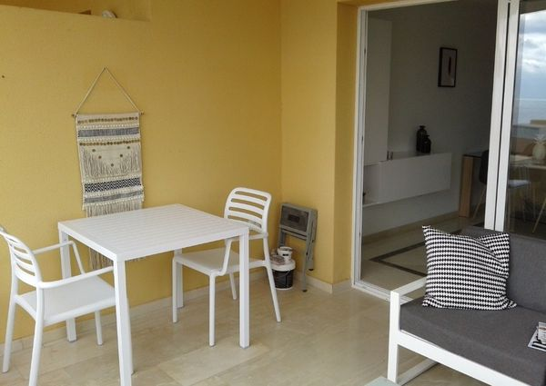 Apartment with sea views for rent in La Caleta