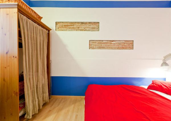 Trendy and Colourful 1-bedroom Apartment near the Beach