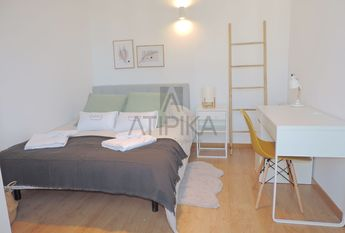 Central refurbished flat next to 'Les Rambles'