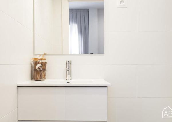 Bright, two-bedroom apartment in Barceloneta, by the beach