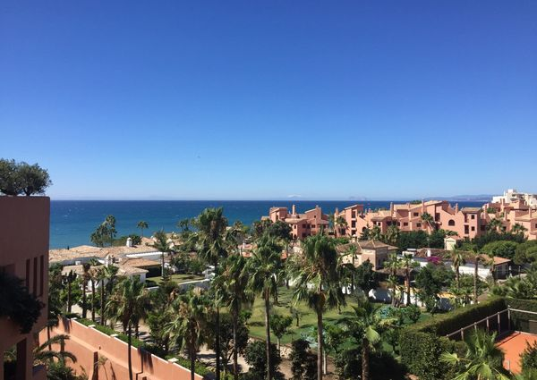 Middle Floor Apartment in New Golden Mile, Costa del Sol