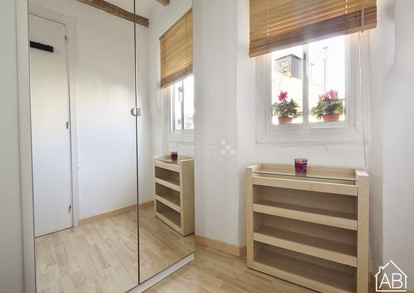 Bright and welcoming two-bedroom apartment in the Gothic Quarter