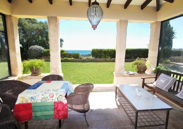 Country mansion with sea views on extensive grounds in Genova