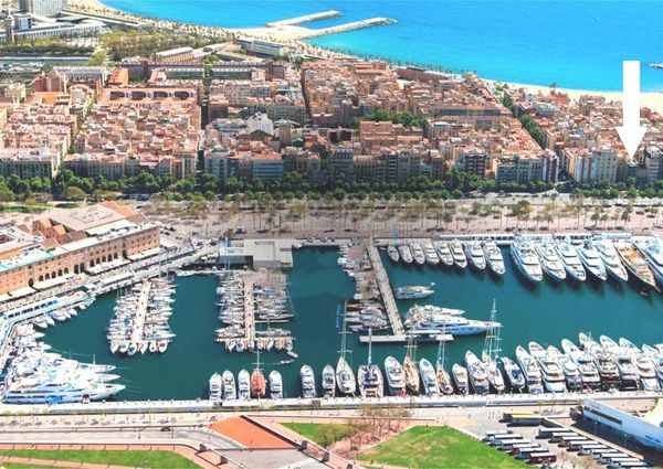 Luxury Apartment Barceloneta with port views and a private terrace