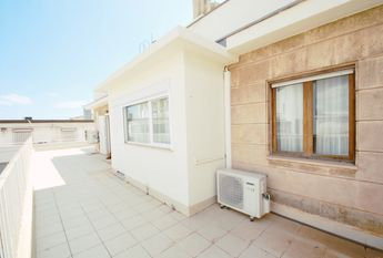 Bright apartment with nice views and terrace