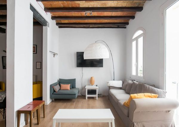 Fully renovated 3 beds 3 baths calle codols Gothic