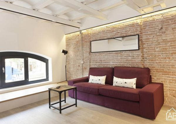 Spacious 2 bedroom apartment in the very centre of Barcelona