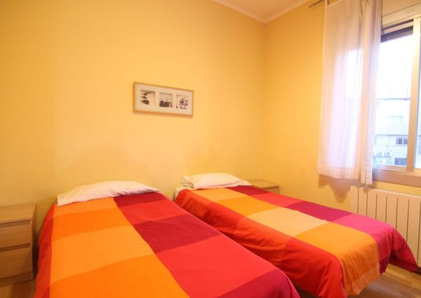 Flat For Rent With 3 Bedrooms Plaza España