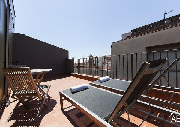 Modern Gothic Quarter Apartment with a Private Terrace