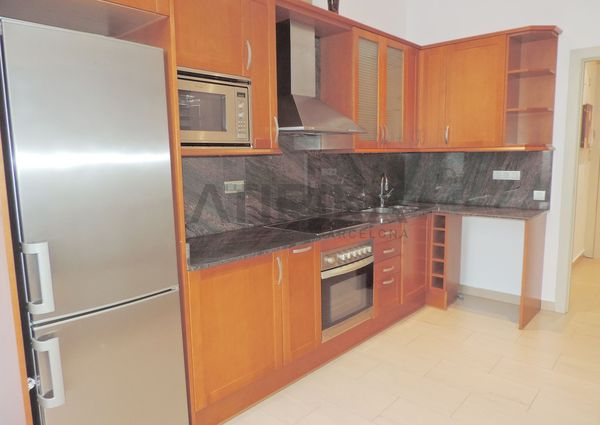 Bright and pleasant 3-bedroom apartment in the charming Sants neighborhood