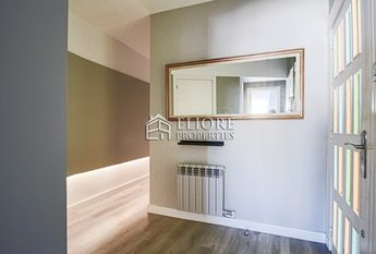 Furnished 3-bedroom apartment for rent in El Gotico in Barcelona