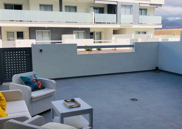 Stunning 2 bed terraced apartment for rent in La Tejita