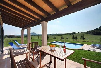 Country house with 3 bedrooms, pool and garden, Sineu