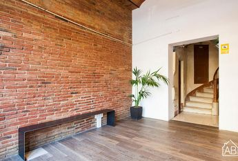 Beautiful 5-Bedroom Apartment with a Private Terrace