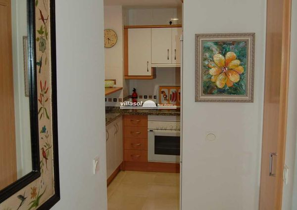 Two bedroom apartment for rent located in the centre of town and close to the beach
